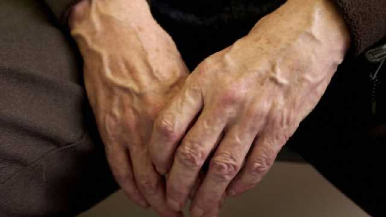Researchers find a way to improve memory by suppressing a molecule that links aging to alzheimer's disease