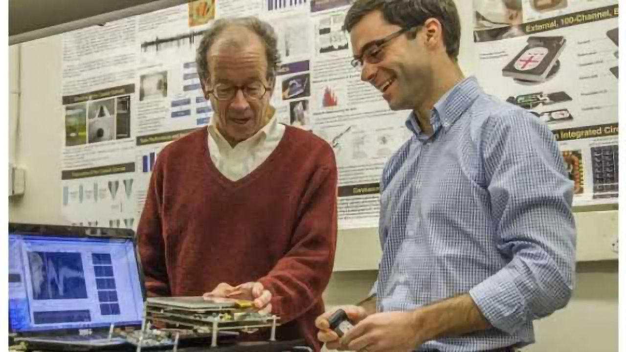 Wireless brain sensor could unchain neuroscience from cables