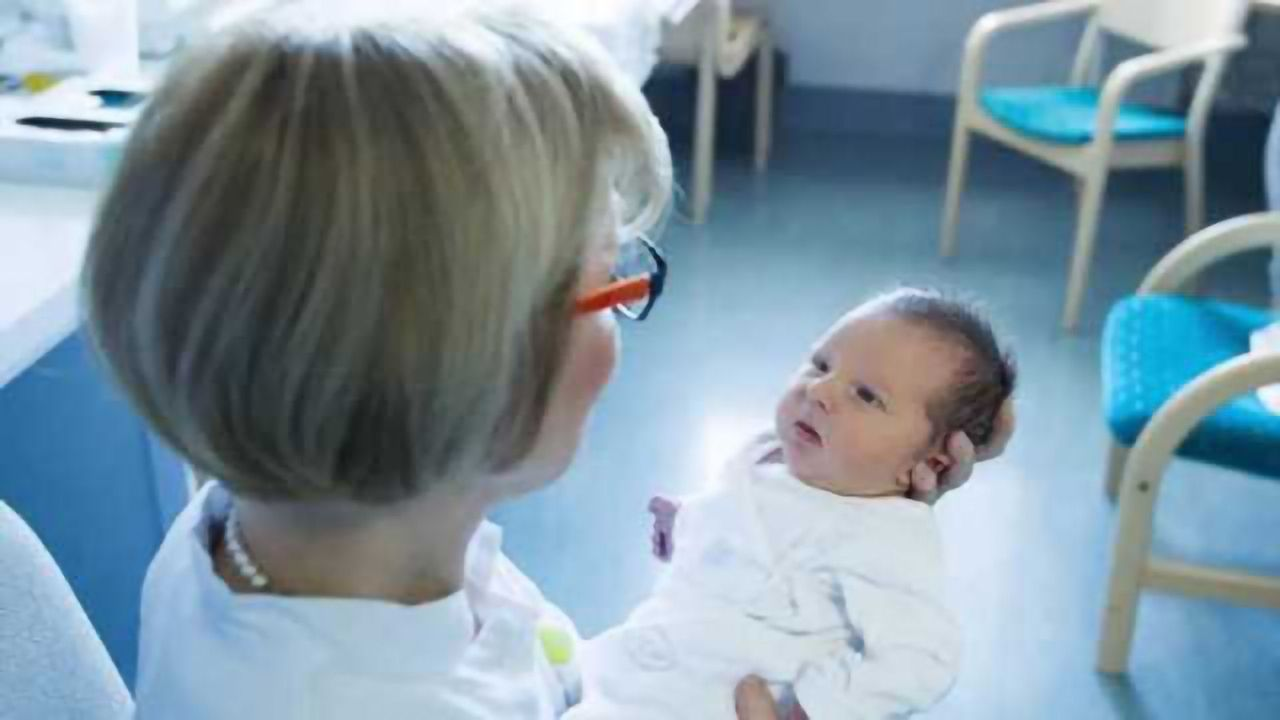 Many things can be read in a newborn's gaze