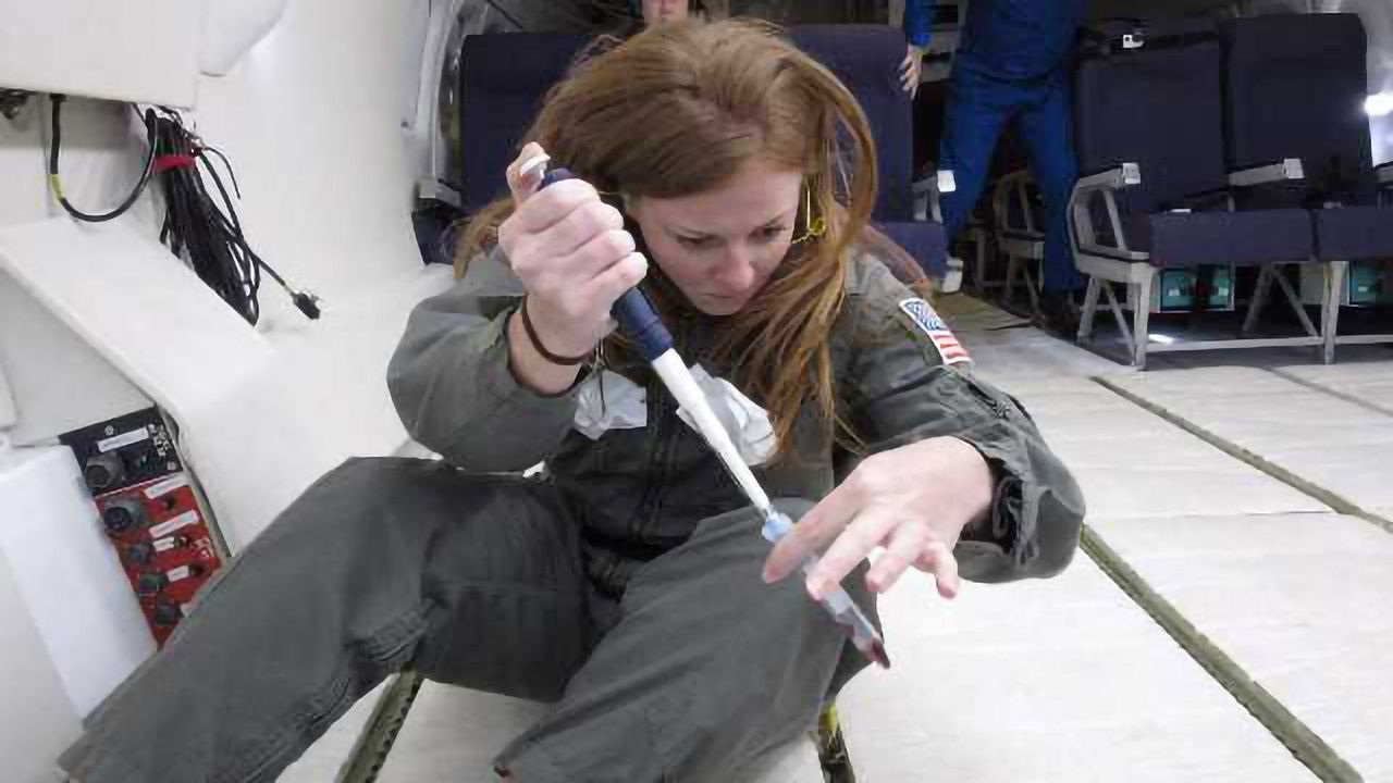 Pipetting and Cell Isolation in Space