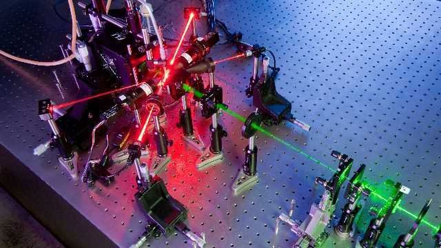 Free-flowing Aerosol Particles Identified Using Holograms