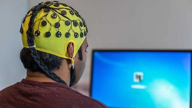 Scientists Decode Brain's Movement Intentions from EEG