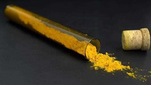 Researchers Deliver Curcumin to Cancer Cells by Solving Its Insolubility