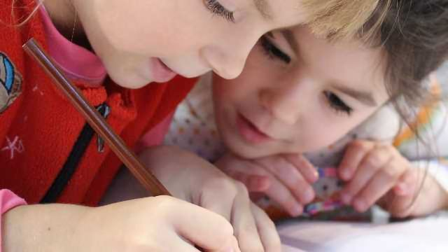 Genes Account for Good Grades Throughout School, Claim Researchers