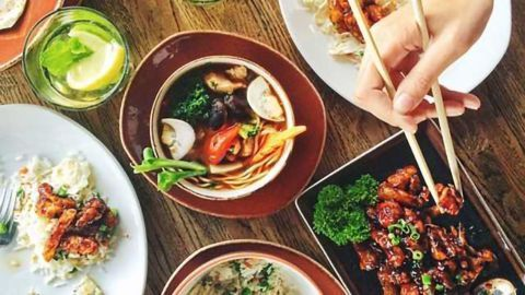 Family Dinners Important for Teens' Diet