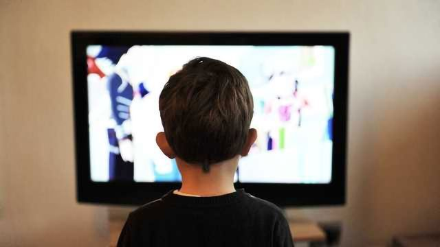 Screen Time Affects Adolescent Wellbeing (but Only 0.4% of It)