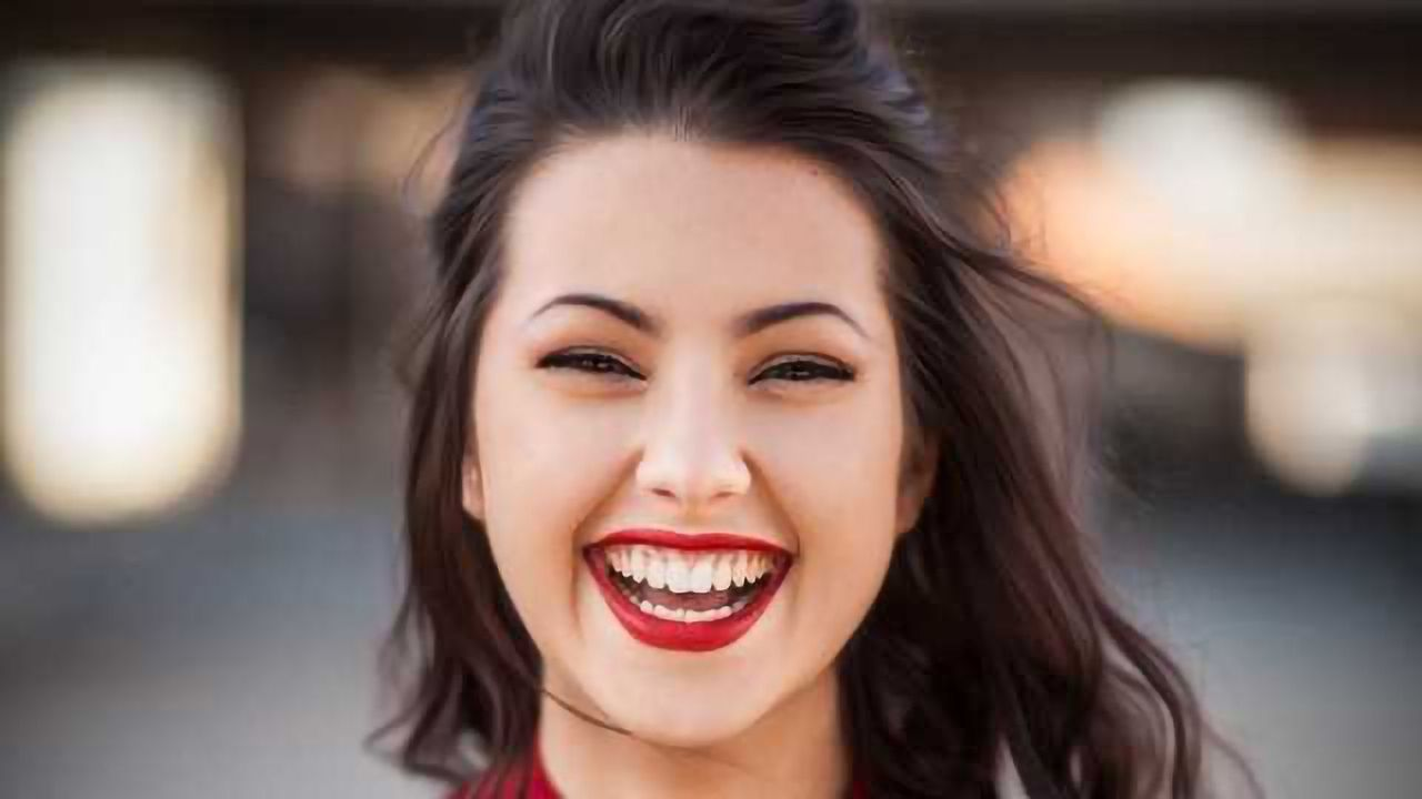 The 17 Different Ways Your Face Conveys Happiness