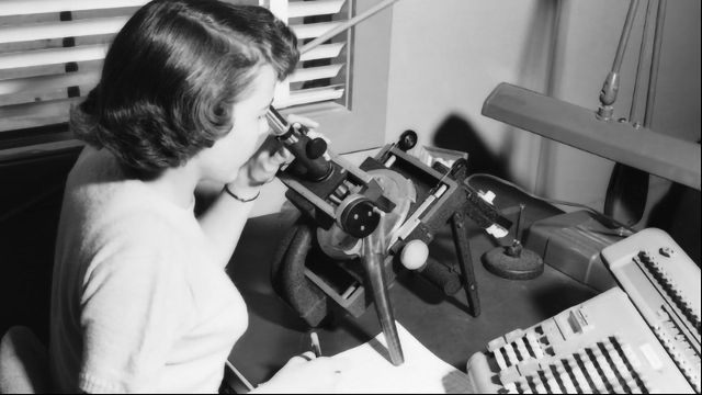 Study Reveals the Hidden Contributions of Women to Science