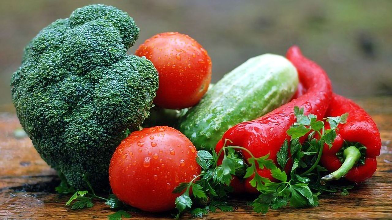Healthy Diet in Early Adulthood Linked to Brain Function in Middle Age