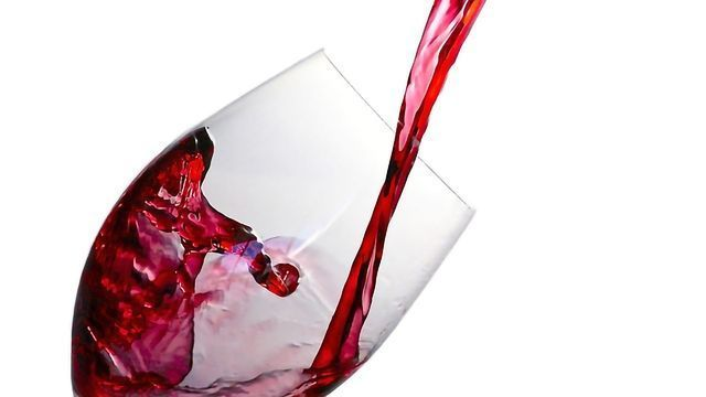 """Why Do Some Red Wines Taste """"Dry""""?"""