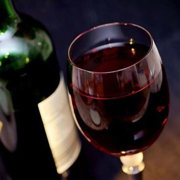 Molecule Found in Red Wine Lowers Blood Pressure | Technology Networks