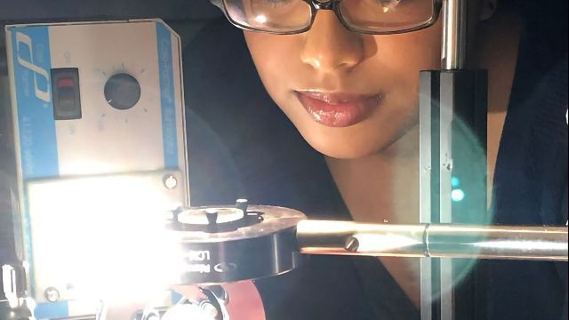 Translucent Light Cube Creates Innovative New Type of Computer