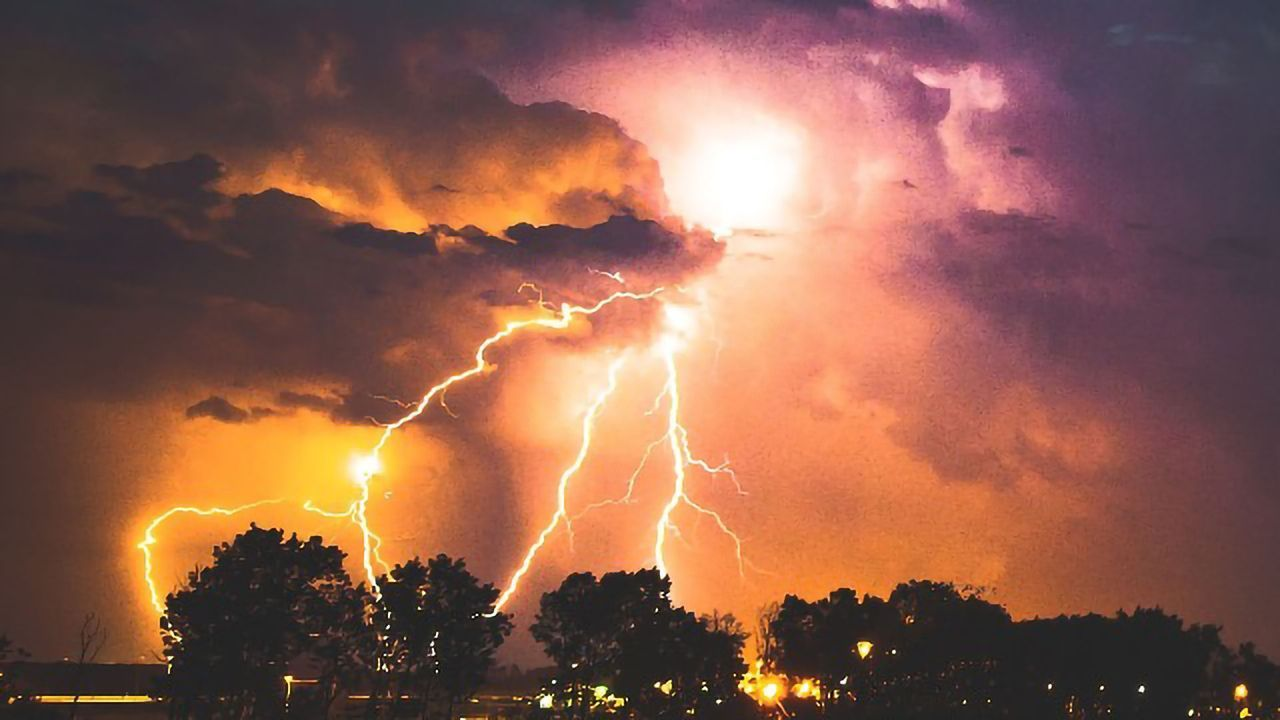 Machine Learning Predicts Storm Blackouts