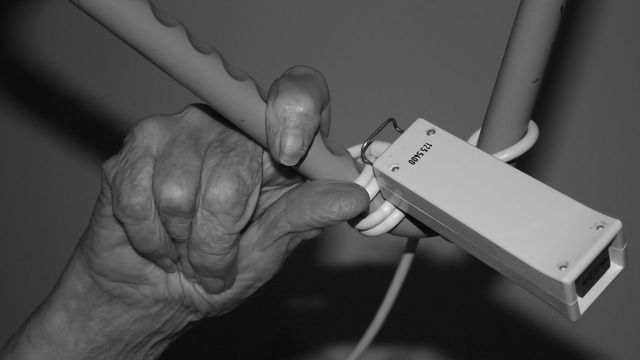 Combination of More Hospitalizations and Brain Pathologies Linked to Faster Cognitive Decline