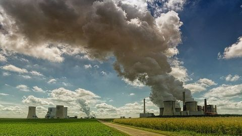 Power Plant Pollutant Exposure Varies According to Demographics