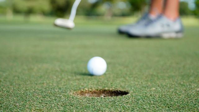 """Is Golf Really Played """"In the Six Inches Between the Ears""""?"""