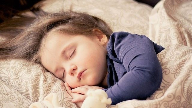 Could Shallower Brain Waves Underlie Sleep Difficulties in Autism?