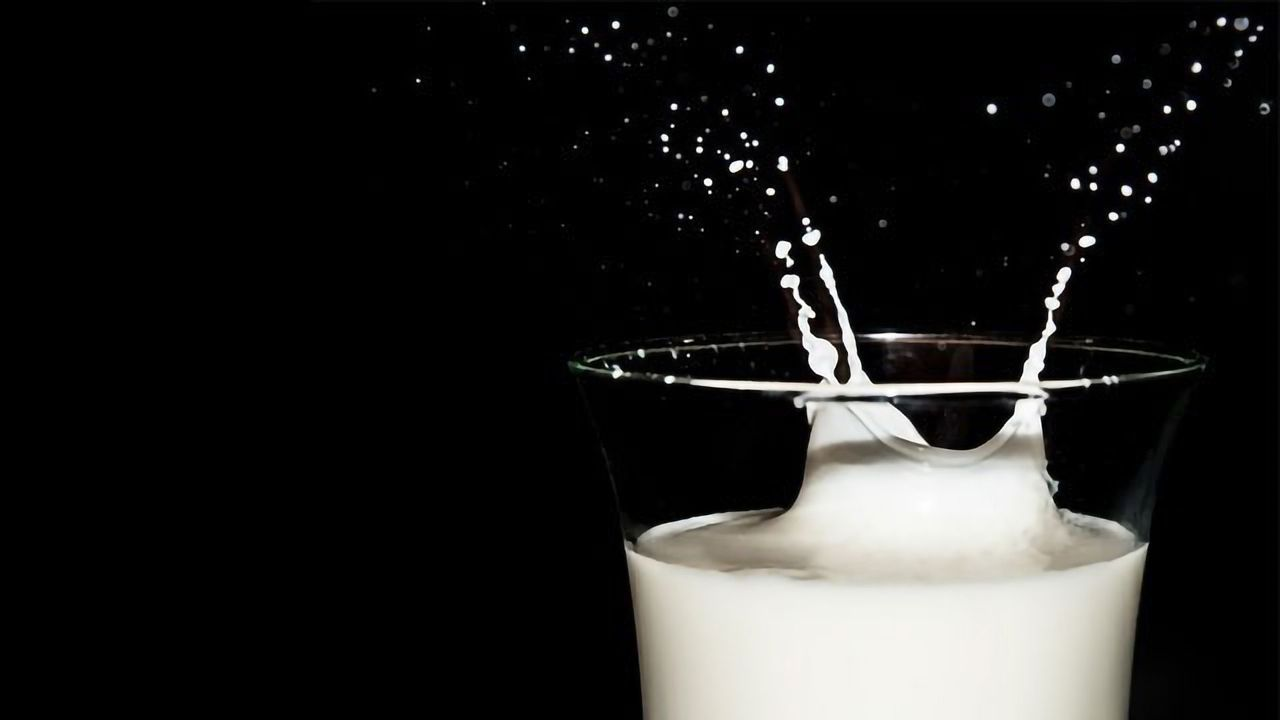 Drinking Dairy Milk May Increase Risk of Breast Cancer