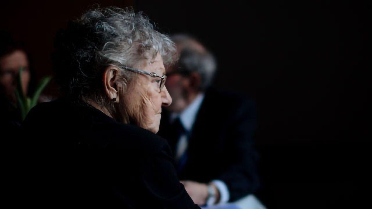 Grumpy Grandparents Show Protection Against Alzheimer's