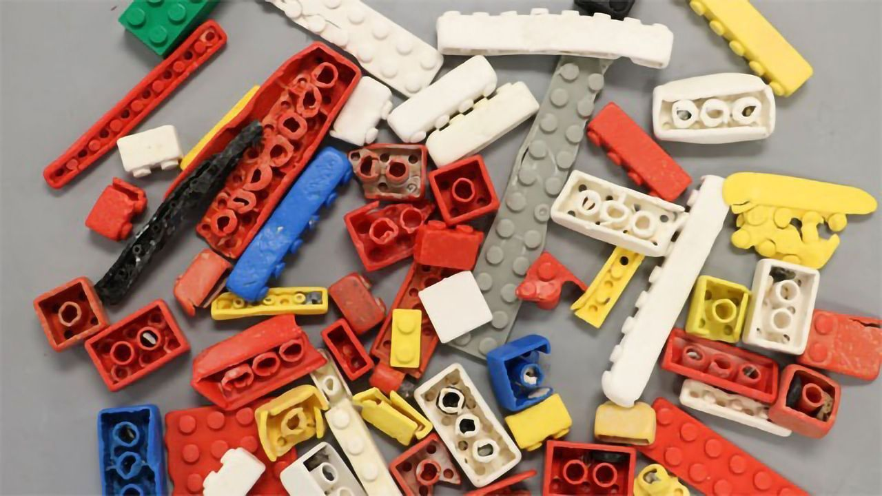 LEGO Bricks May Survive in the Sea for up to 1,300 Years