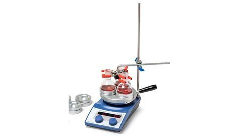 Secure Clamping of Parallel Chemistry Apparatus