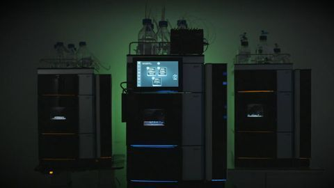 How do customers react to the Thermo Scientific Vanquish Core HPLC System?