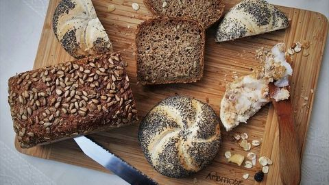 Heating, Not Baking, Reduces Opiate Levels in Poppy Seeds