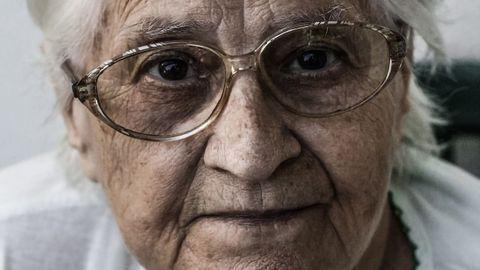 Higher Rates of Alzheimer's in Women Aren't Just Due to Living Longer