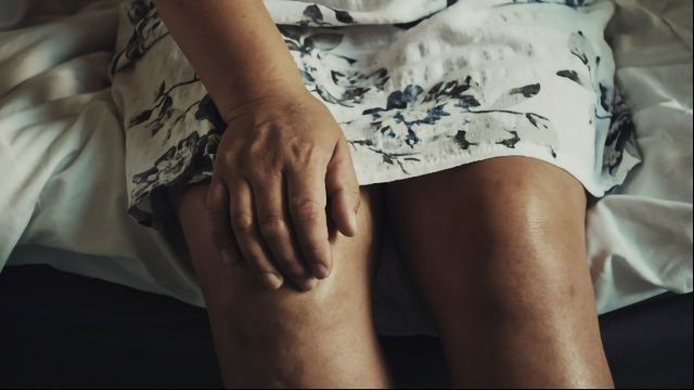 Why Does Pain in Osteoarthritis Change Over Time?