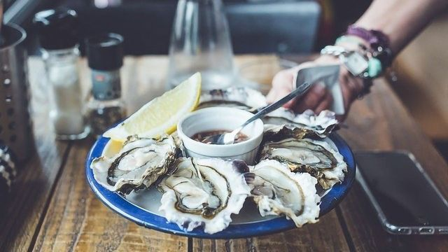 Why Are Oysters and Champagne Such a Classic Pairing?
