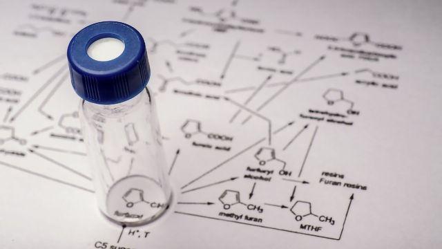 质谱仪如何工作,仪器类型和解释质谱数据