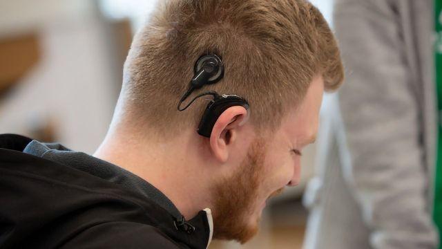 Listening With Light: Light-Sensing Technology Boosts Hearing Aids