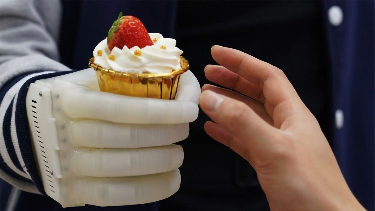 Inflatable Robotic Hand Gives Amputees Tactile Control