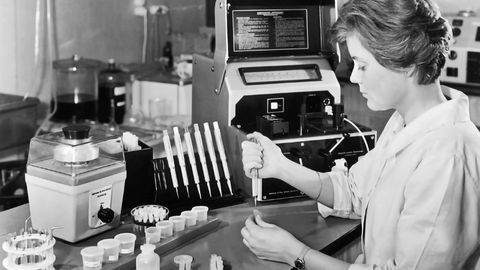 Eppendorf Celebrates the 60th Birthday of a Pipetting Masterstroke