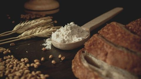 Removing Some Dietary Refined Grains Can Lead to Nutrient Shortfall